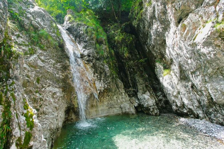 cascata segreta marmitte dei giganti val d'ancogno in val brembana bergamo (4)