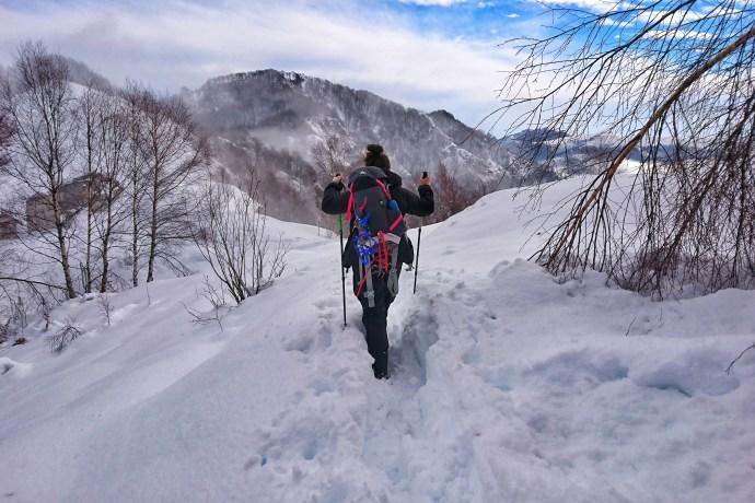 Credenza Per Montagna : Lattrezzatura necessaria per unescursione in montagna con la neve
