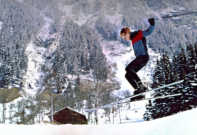 No Merchandising. Editorial Use Only. No Book Cover Usage.Mandatory Credit: Photo by Paramount/Kobal/REX/Shutterstock (5880383m) Robert Redford Downhill Racer - 1969 Director: Michael Ritchie Paramount USA Scene Still Drama La Descente infernale