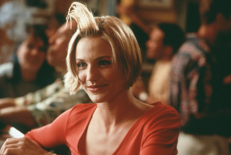No Merchandising. Editorial Use Only. No Book Cover Usage.Mandatory Credit: Photo by Glenn Watson/20th Century Fox/Kobal/REX/Shutterstock (5883143q) Cameron Diaz There's Something About Mary - 1998 Director: Peter Farrelly / Bobby Farrelly 20th Century Fox USA Scene Still Comedy Mary à tout prix