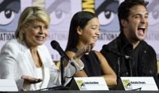 Linda Hamilton Gets Hero's Welcome as Sarah Connor and 'Terminator: Dark Fate' Take Comic-Con