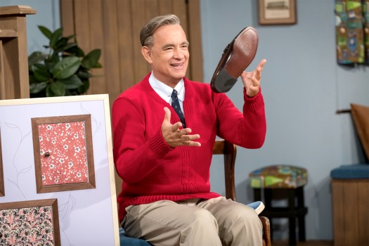 A Beautiful Day in the Neighborhood' Review: Tom Hanks as Mr. Rogers |  IndieWire