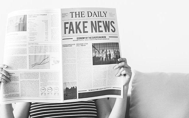 evitar-compartir-noticias-falsas-indigital-marketing-digital-redes-sociales