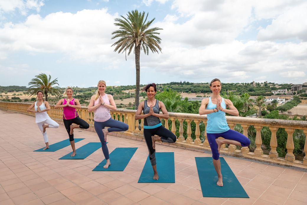 yoga urlaub im fincahotel auf mallorca