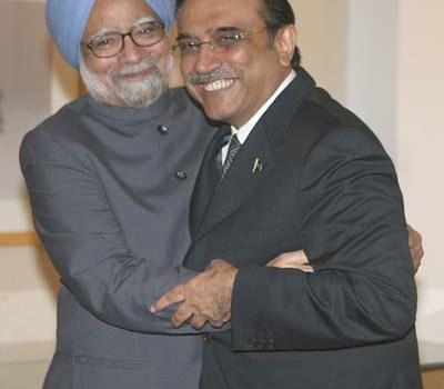 Faccia a faccia tra Singh e Zardari a Yekaterinburg. Riprende il dialogo tra India e Pakistan dopo gli attentati di Mumbai