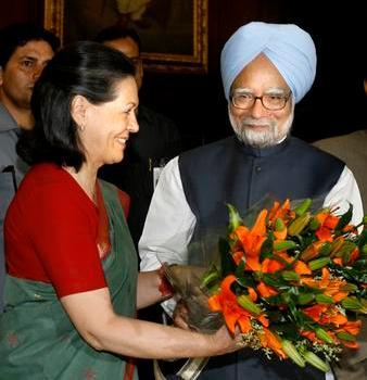 Dai Maoisiti indinai giungono minacce di morte per il premier Singh e Sonia Gandhi.