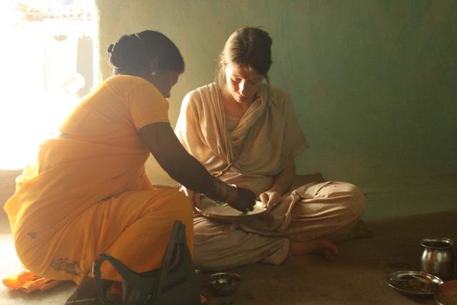 Monica Guidolin durante la sua ricerca tra i Pardhan del Madhya Pradesh, India centrale