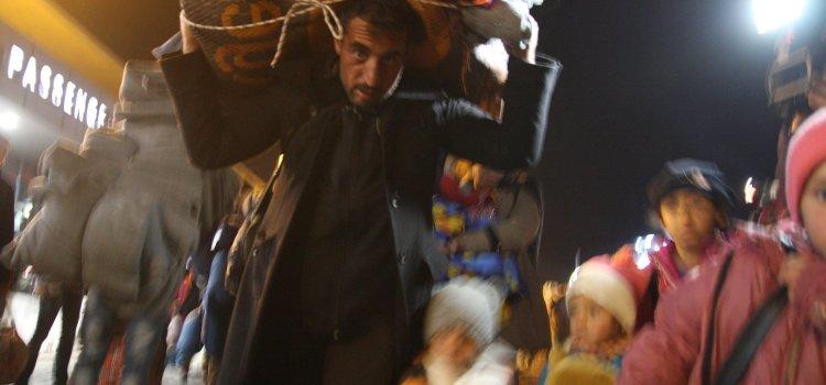 Speciale migranti. Atene svuota le sue isole. Da il Manifesto