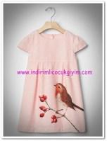 Gap kız çocuk pembe kuş desenli elbise-130 TL