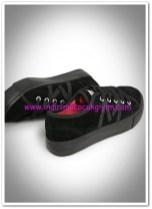 Mango kız çocuk siyah pullu suni süet spor ayakakbı-40 TL