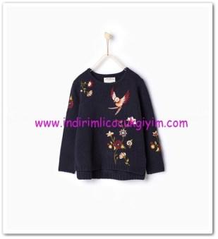 Zara kız çocuk lacivert çiçek işlemeli kazak-80 TL