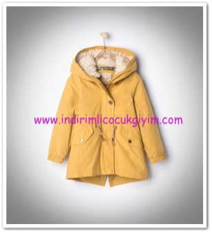 Zara kız çocuk sarı kapüşonlu parka-150 TL