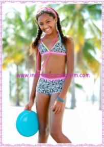 Bonprix desenli kız çocuk bikini-şort seti-100 TL