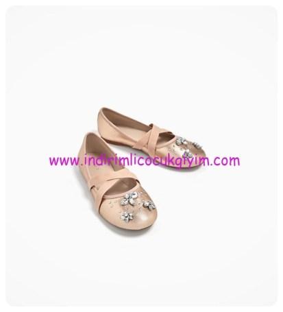 zara kız çocuk işlemeli metalik babet ayakkabı