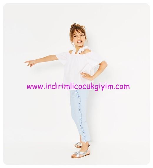zara kız çocuk teyelli omzu açık beyaz bluz