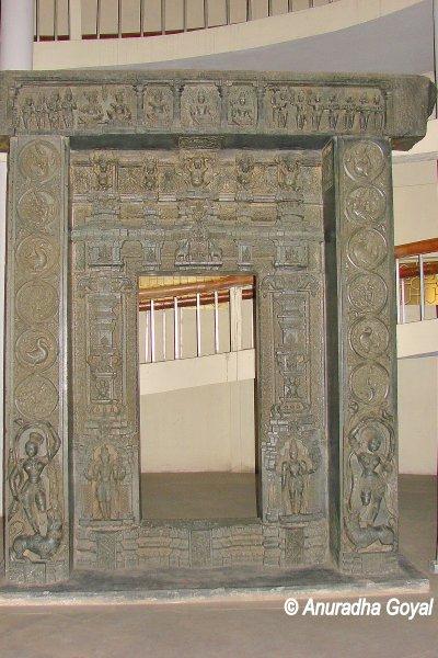 वारंगल शैली का द्वार - हैदराबाद संग्रहालय