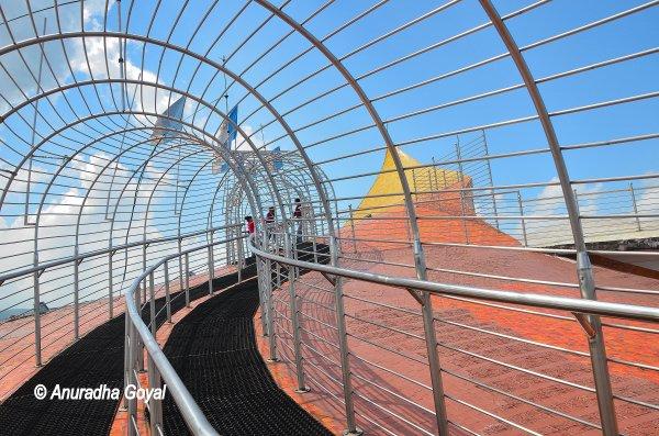 डॉन बोस्को संग्रहालय की छत पर स्काई वाक – शिलांग