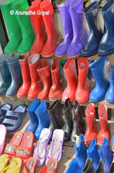 Bomdila market