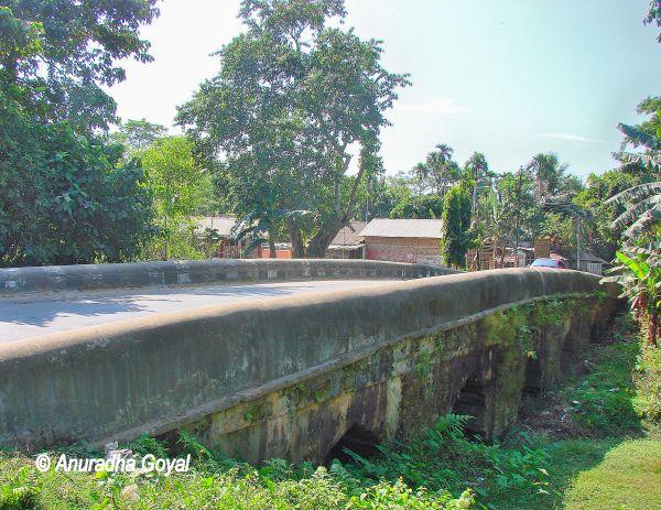 नाम्दांग पत्थर का पुल - असम