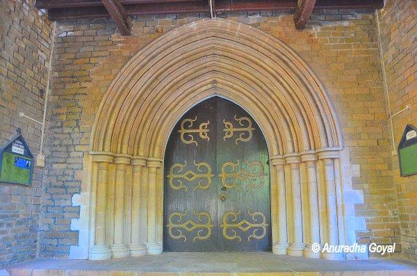 अफ़ग़ान चर्च का मुख्य द्वार