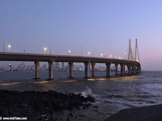 बंदर वर्ली समुद्र सेतु - मुंबई