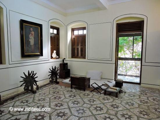 मणि भवन में गाँधी जी का कमरा