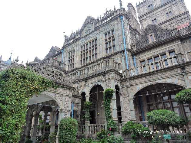 भारतीय अद्यतन शिक्षा संस्थान का सुन्दर भवन