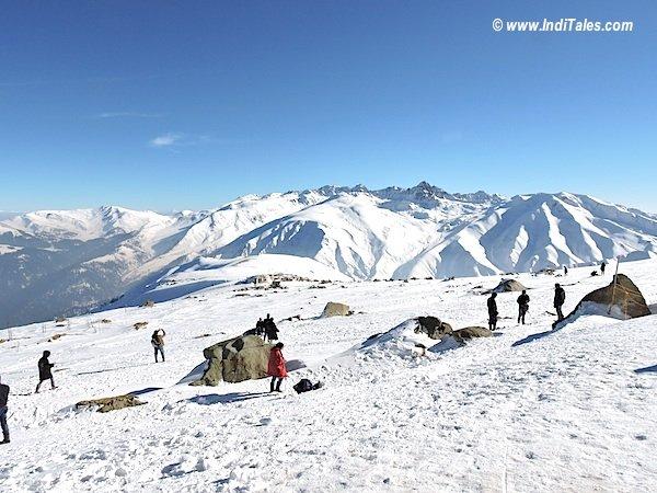 हिम शिखिर गुलमर्ग गोंडोला से
