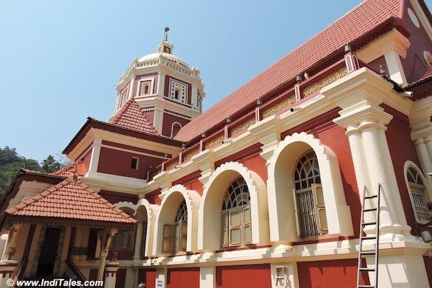 श्री शांतादुर्गा मंदिर - गोवा