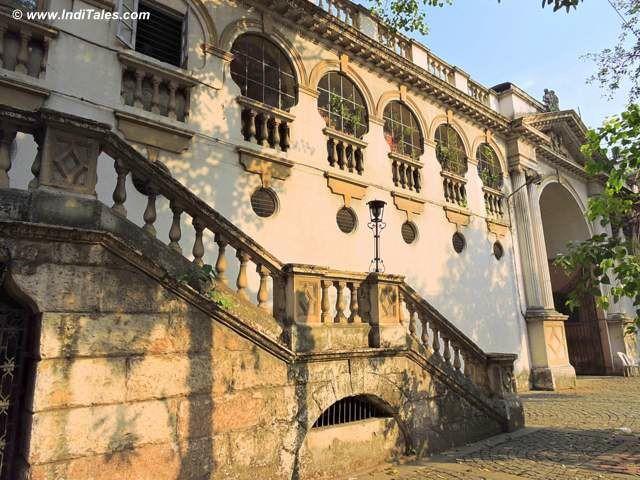 कोल्कता राज भवन के अस्तबल