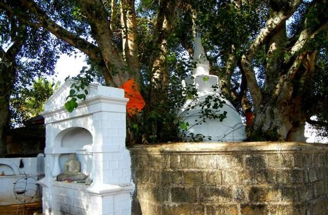 दिवुरुम्पोला मंदिर - श्री लंका