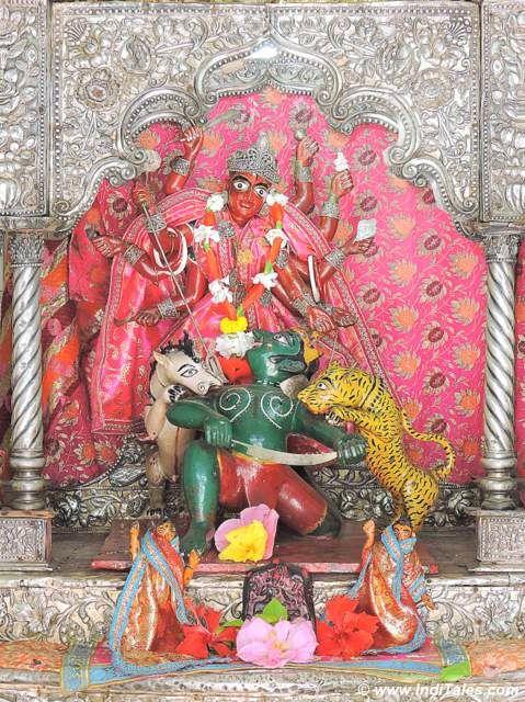 Mahishasuramardini - Madan Mohan Bari