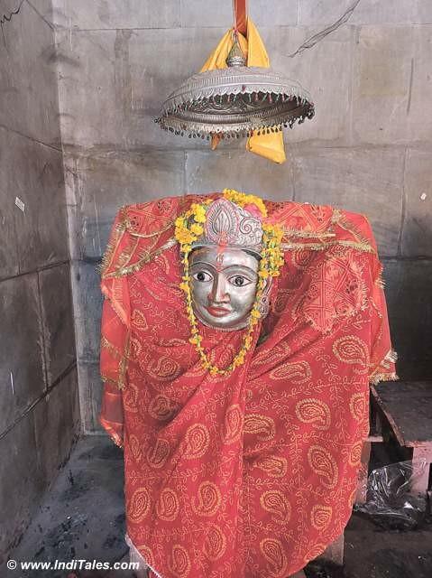 तुलजा भवानी मूर्ति - रामेश्वरम मंदिर परिसर में