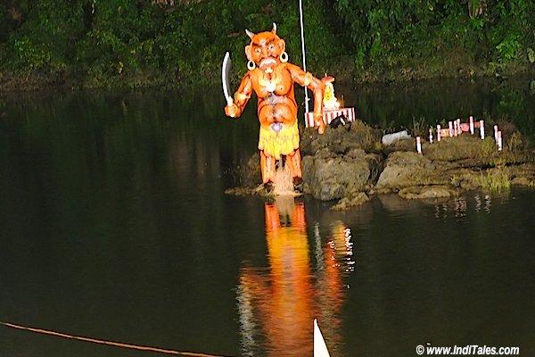 ताड़कासुर का पुतला वाल्वंती नदी - गोवा