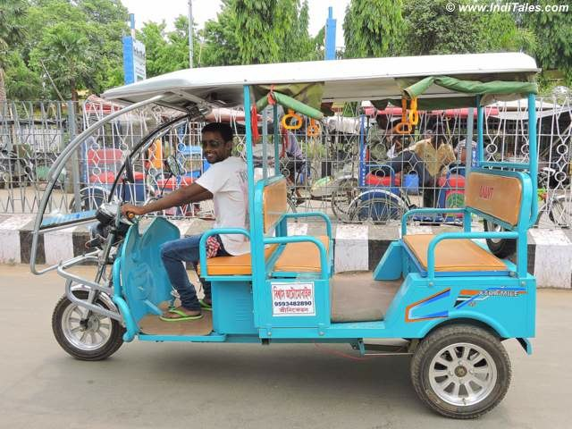 Tuk-tuk - the best way to see Santiniketan