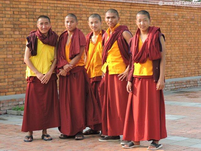 बौद्ध भिक्षु - लुम्बिनी