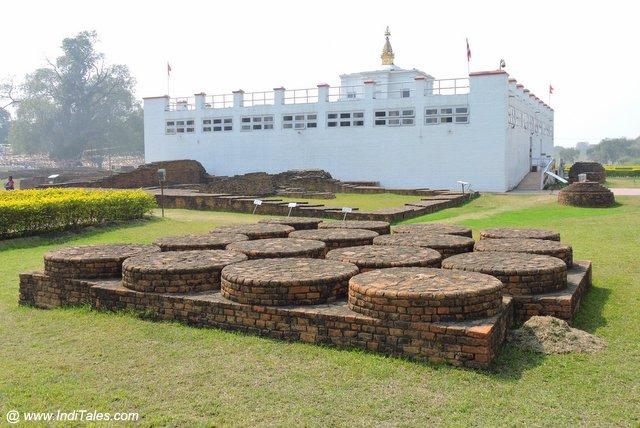 मन्नत स्तूप - माया देवी मंदिर परिसर - लुम्बिनी