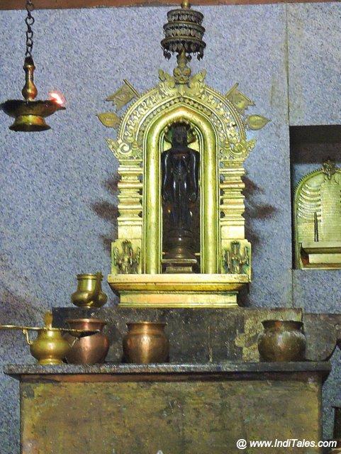 प्राचीन महावीर प्रतिमा