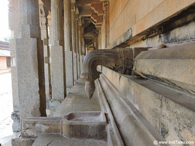 १००० स्तंभ मंदिर का परिक्रमा पथ - मूडबिद्री