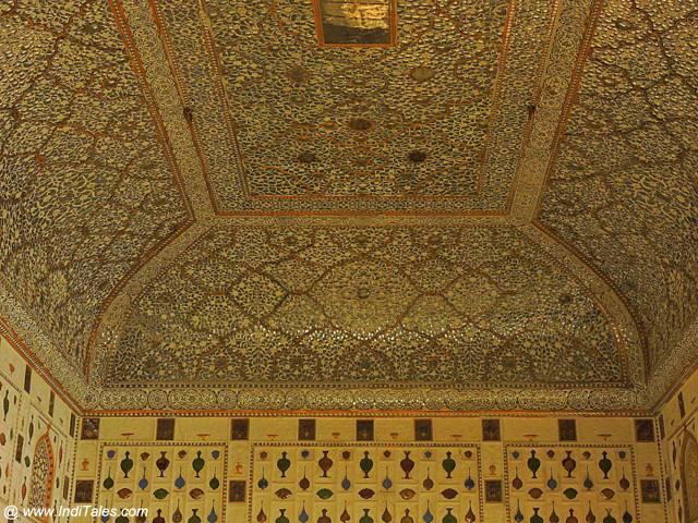 शीश महल की कारीगरी - आमेर