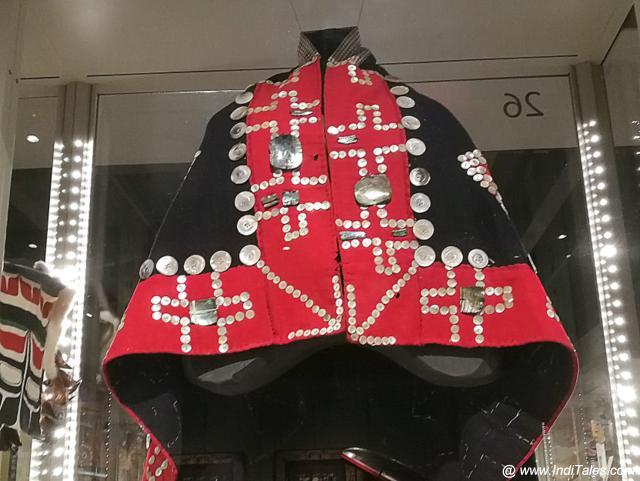 पॉटलाच में मुखिया का परिधान