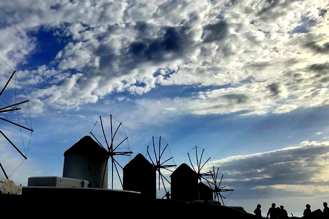 मिकोनोस की पवन चक्कियां