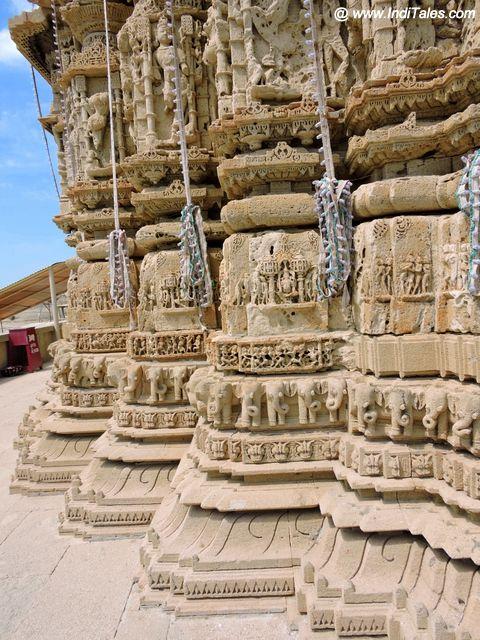कमल पट्ट पर खड़ा रुक्मिणी मंदिर - द्वारका