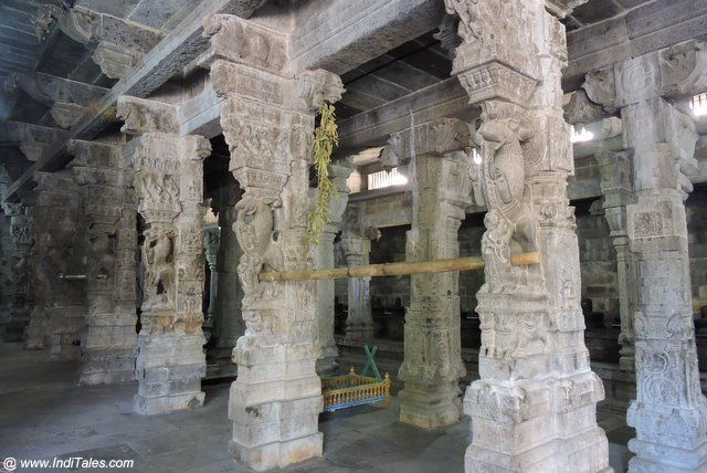 पाषण स्तम्भ समूह - एक्म्बरेश्वर मंदिर कांचीपुरम