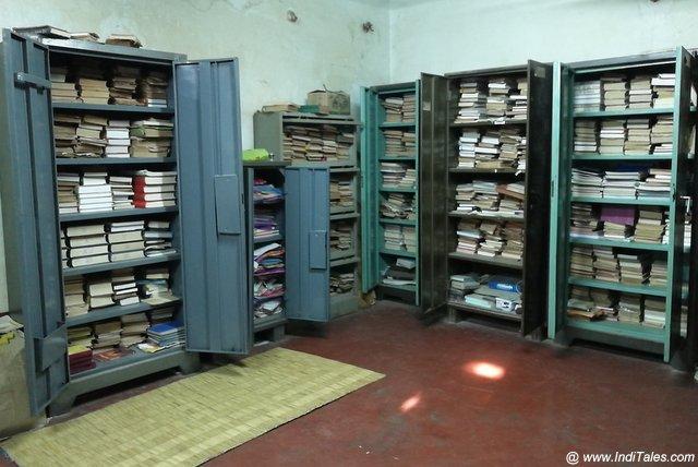 मत्तूर गुरुकुल का पुस्तकालय