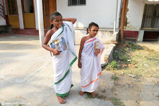 मत्तूर के संस्कृत विद्यार्थी