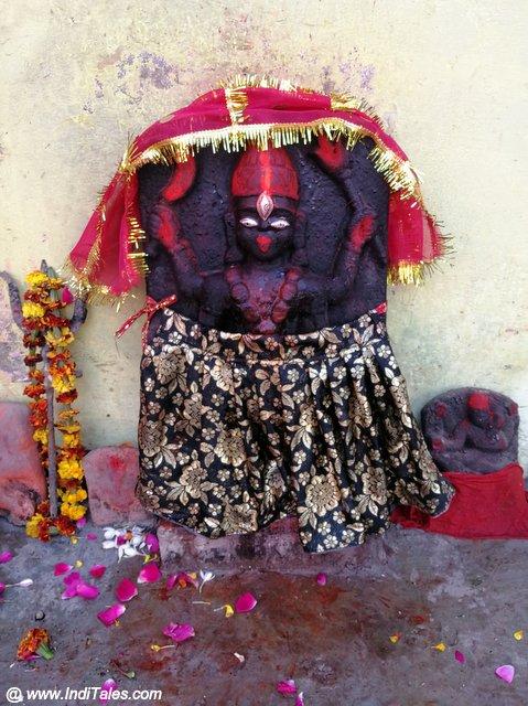 महाकाली प्रतिमा - अलोपी मंदिर के समीप, प्रयागराज