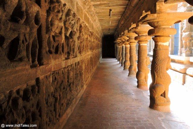 विष्णु की कथाएं और सिंह स्तम्भ - वैकुण्ठ पेरूमल मंदिर