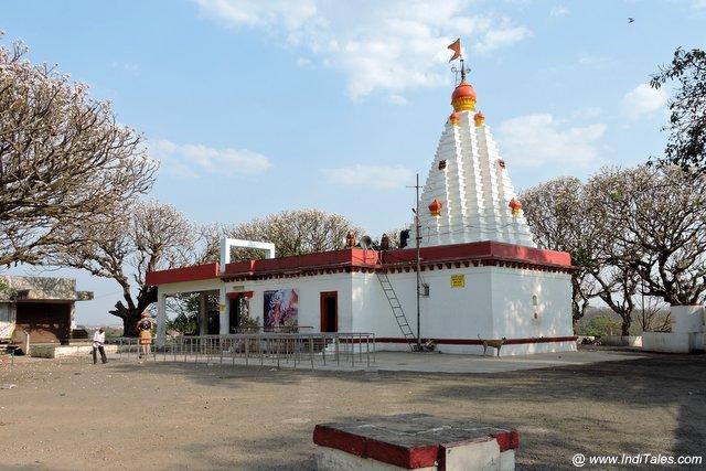 त्रिअम्बुली देवी मंदिर - कोल्हापुर