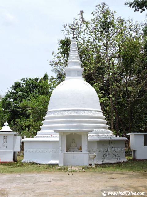 त्रिंकोमाली के बौद्ध विहार